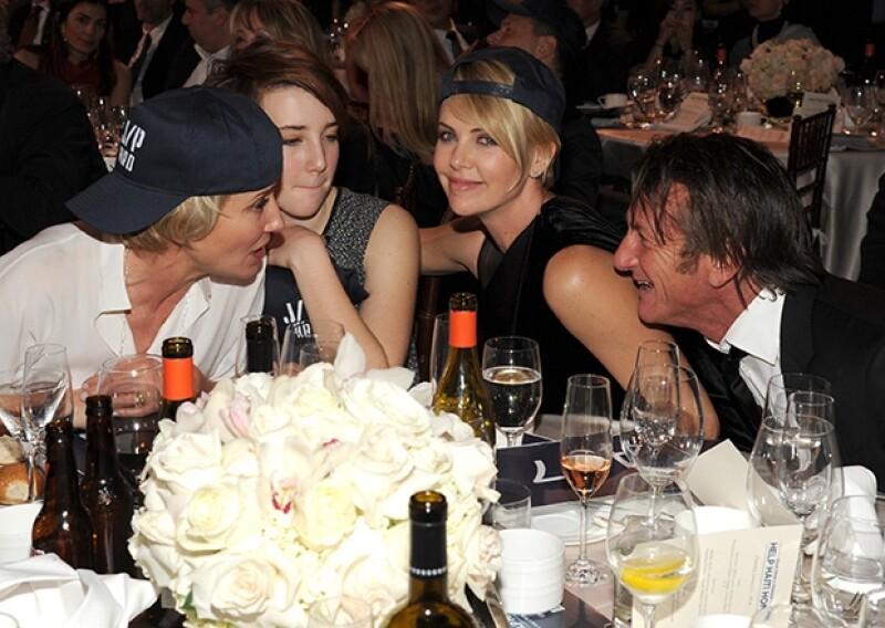 Emma Thompson, Charlize y Sean Penn disfrutaron de la velada.
