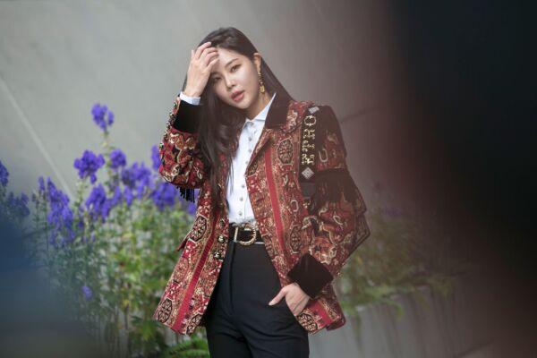 Street Style - Seoul Fashion Week 2020 S/S - Day 5