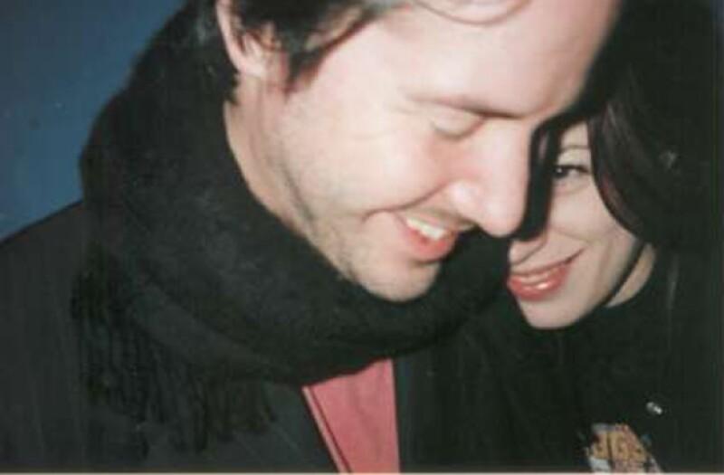 Keanu Reeves con Jennifer Syme.