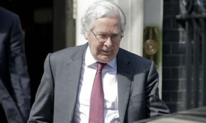 Mervyn King, jefe del Banco de Inglaterra, dijo que hay desafíos enormes frente al sistema bancario británico. (Foto: Reuters)