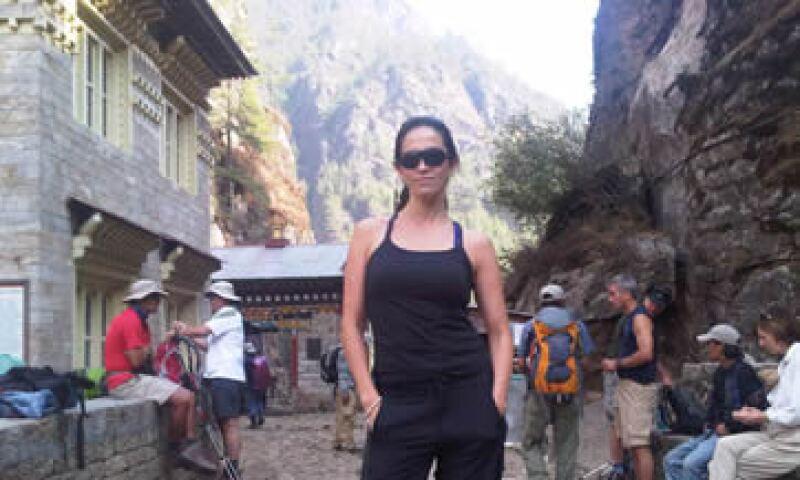 Claudia González es parte de un seminario sobre liderazgo impartido en los Himalayas. (Foto: Especial)