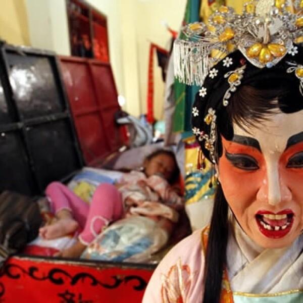 china celebra el año nuevo del dragon