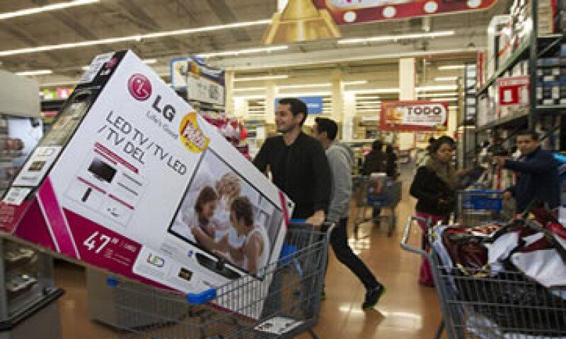 Se espera que la celebración del Mundial de Futbol impulse las ventas de artículos electrónicos en todas las tiendas de autoservicio. (Foto: Cortesía Walmart)