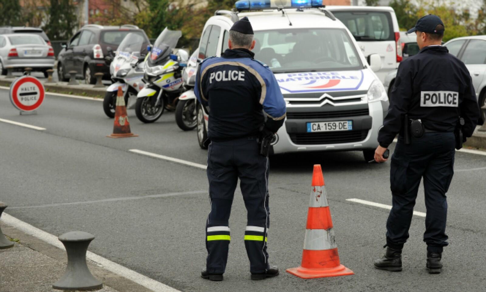 Las medidas de seguridad en Francia se incrementaron con cierre de fronteras y presencia policial en toda la capital.