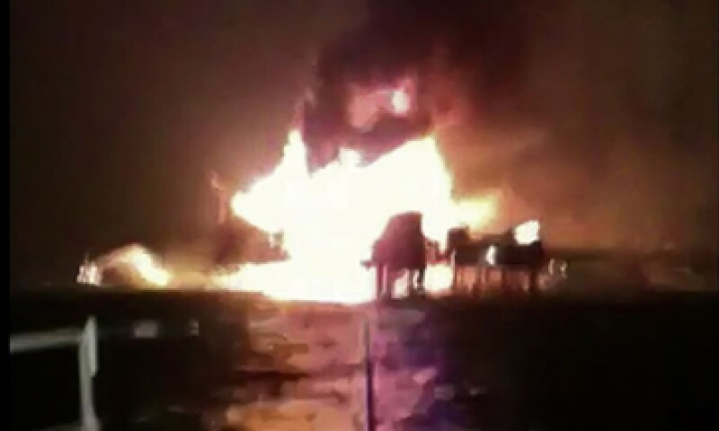 El incendio en la plataforma de Pemex en sonda de Campeche no causó un derrame en el mar. (Foto: AFP )
