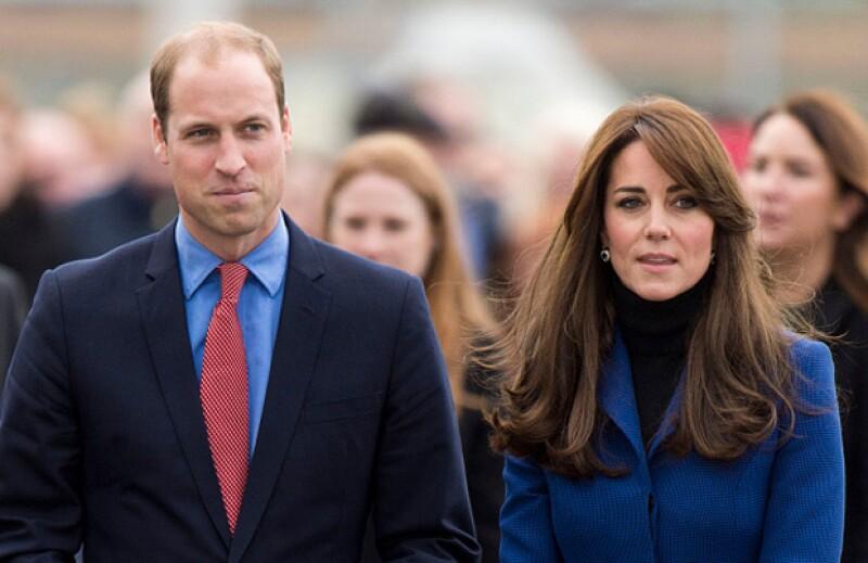 Una cadena de supermercados publicó un anuncio comercial en el que Kate y William iban con sus hijos a hacer las compras de última hora para celebrar el cumpleaños de la reina Isabel II.