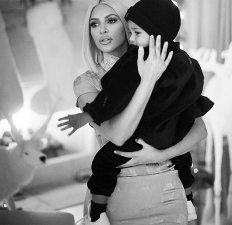 Kim Kardashian foto hijos