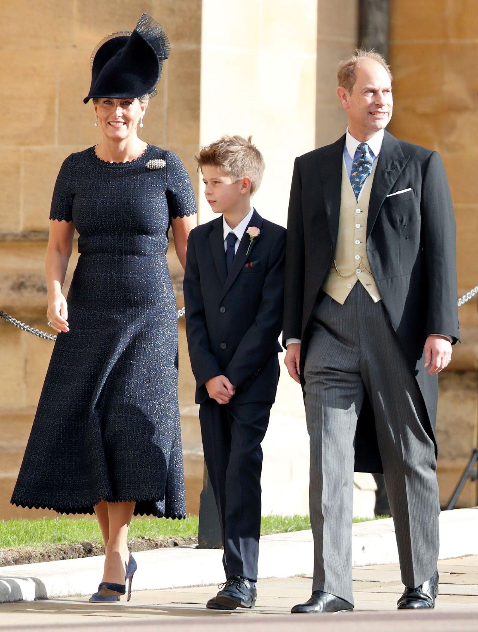 Sophie, condesa de Wessex, James, vizconde Severn y el príncipe Edward, conde de Wessex.jpg