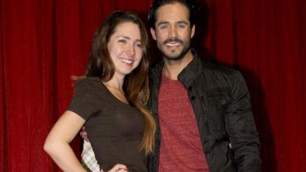 Jose Ron y Ariadne Díaz