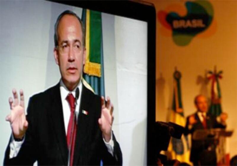 El presidente Felipe Calderón afirmó que busca una alianza comercial con Brasil. (Foto: Reuters)