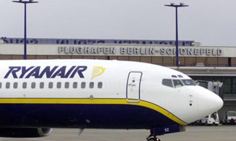 El segmento de bajo costo ha crecido más rápido; la irlandesa Ryanair sumó un 72% más de asientos. (Foto: AP)