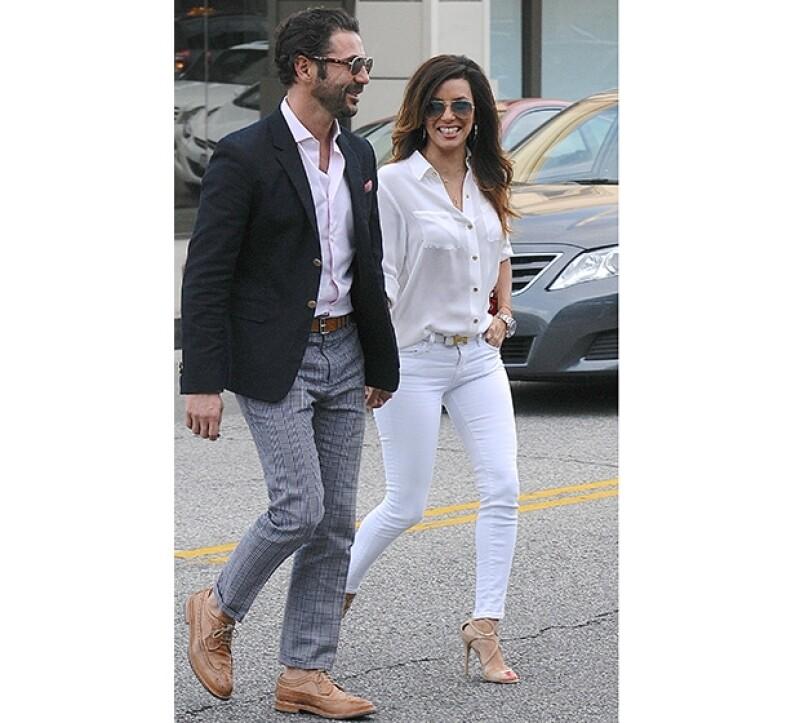 El empresario y la actriz caminaban tomados de la mano por las calles de Hollywood hace unas semanas.