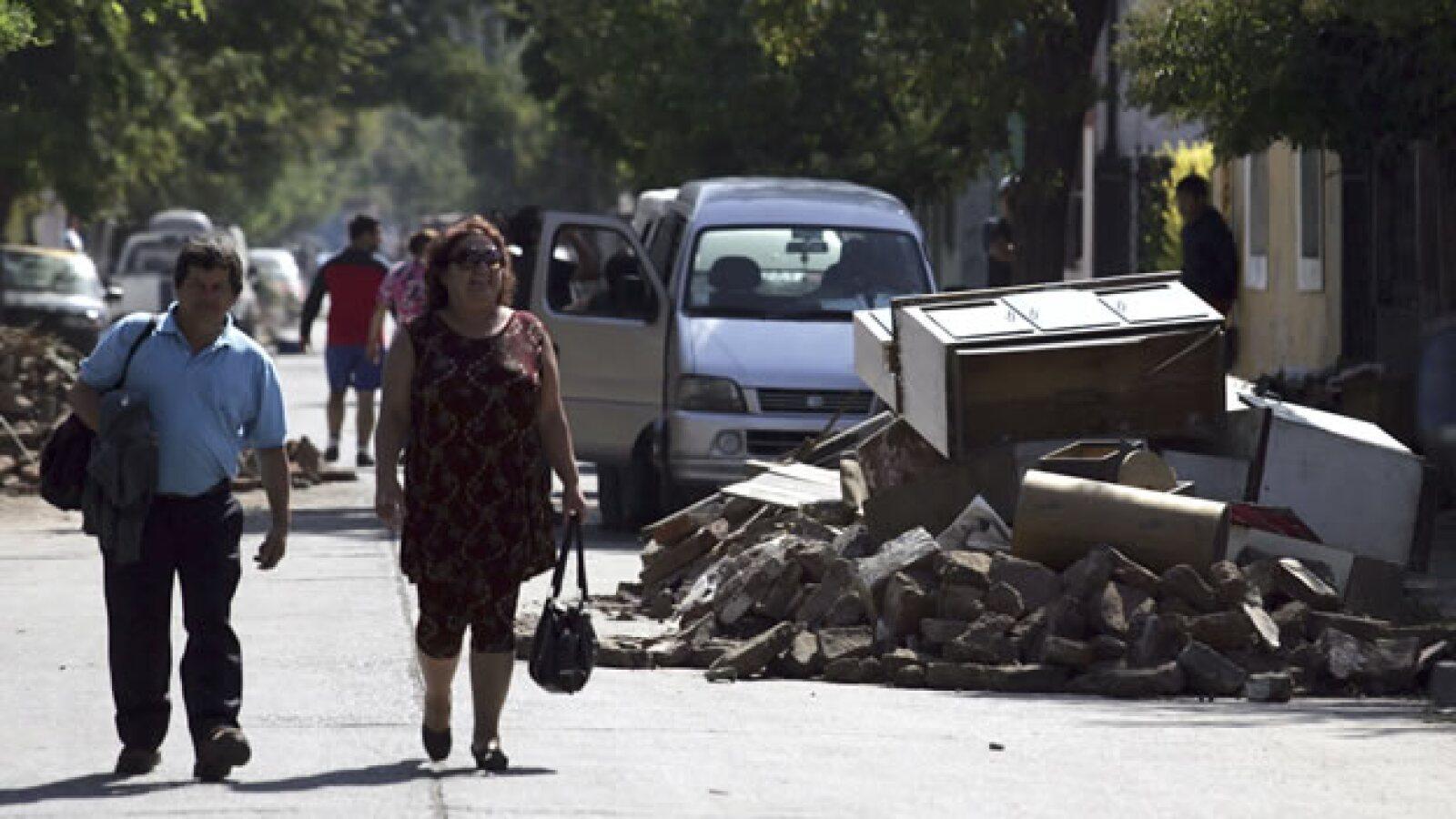 En Santiago, la capital de Chile, las actividades poco a poco comienzan a volver a la normalidad