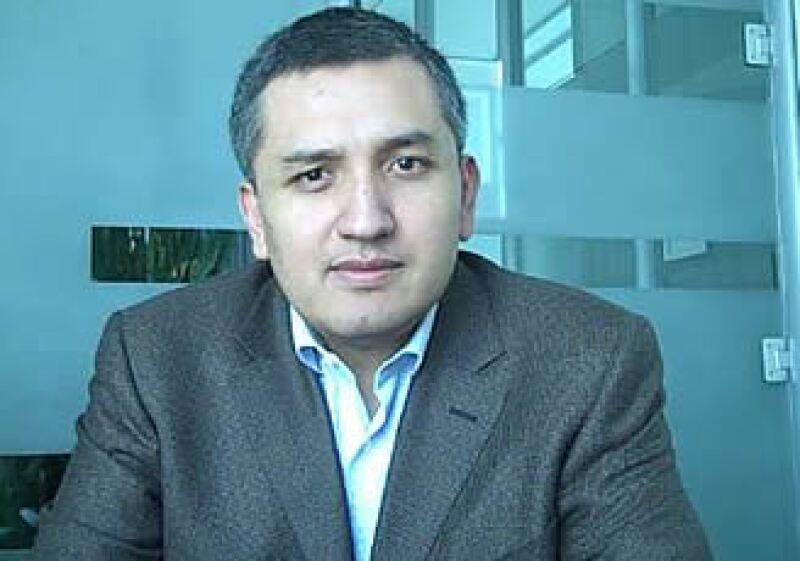 El director de la unidad de negocios móviles para Microsoft México, Arturo Díaz, asevera que el potencial de crecimiento en el ramo celular es abismal. (Foto: Especial)