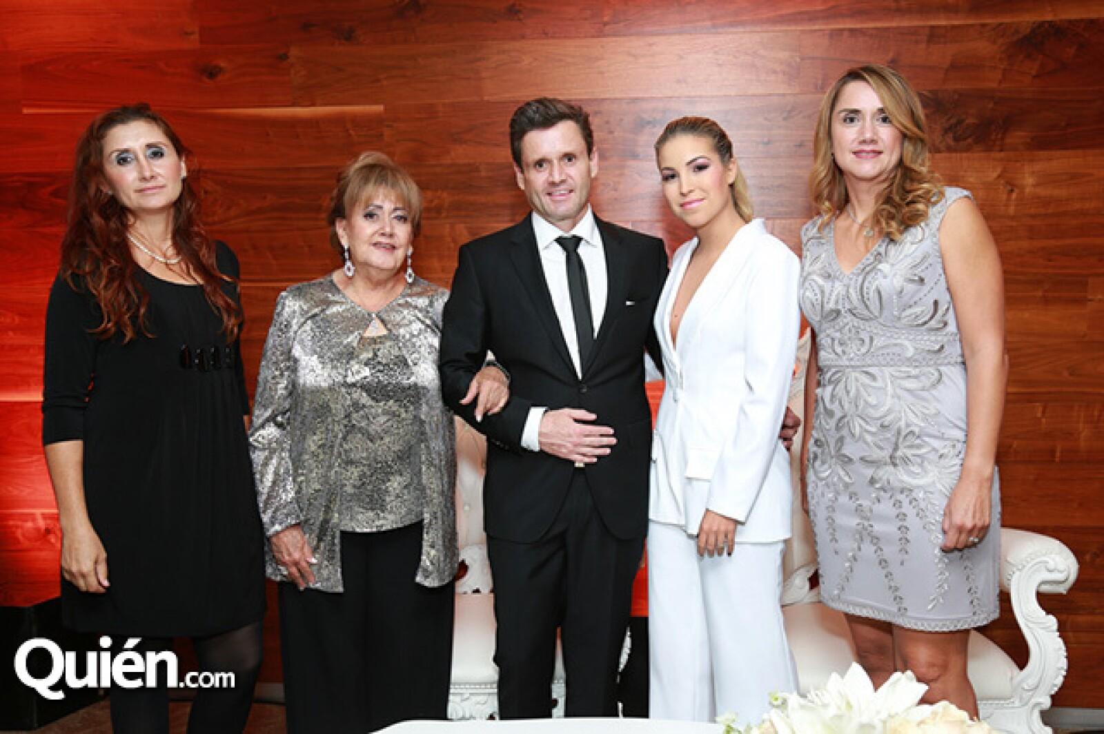 Tania Leal,Yolanda Cavazos,Octavio Leal,Andy Benavides y Karla Leal