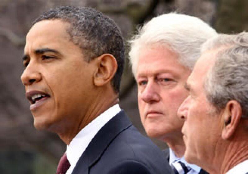Obama, Clinton y Bush anunciaron esfuerzos conjuntos para coordinar la ayuda al país caribeño. (Foto: Reuters)