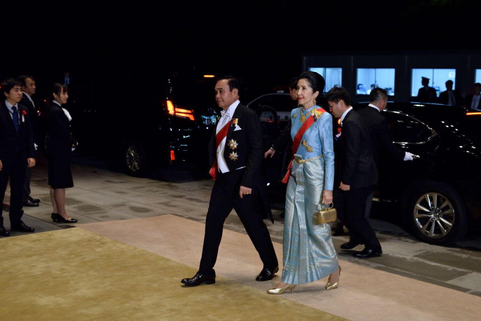 Primer Ministro de Tailandia  Prayut Chan-o-cha, y su esposa, Naraporn Chan-ocha