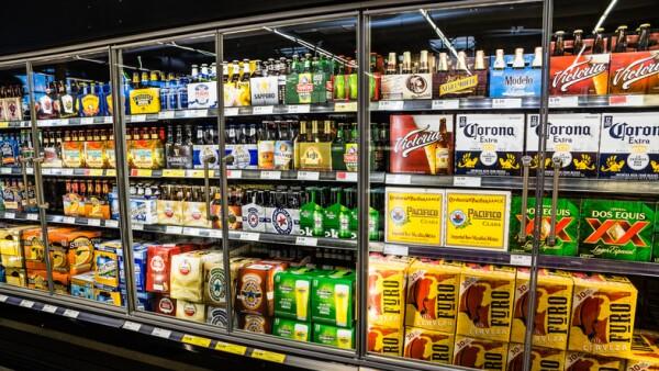 Refrigerador con cervezas