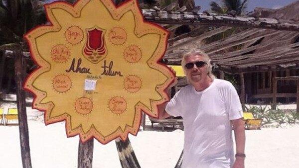 Richard Branson fundador y dueño de Virgin, es cliente frecuente del Ahau.