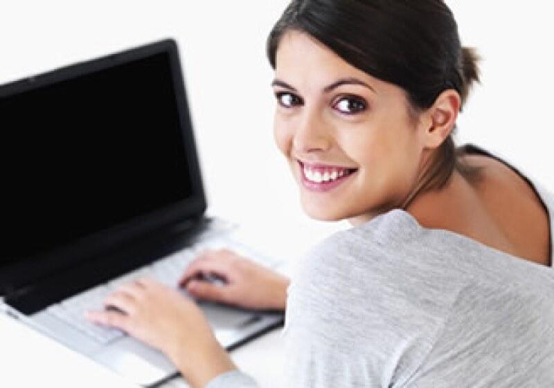 De cada 100 viviendas que poseen una computadora, sólo 21 cuentan con Internet, dice el Amipci. (Foto: Photos to Go)