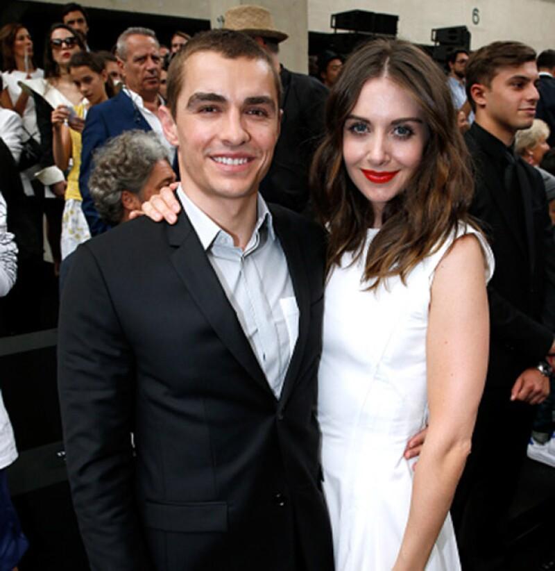 El hermano pequeño del famoso actor James Franco se ha comprometido después de tres años y medio de relación con su novia Alison Brie.