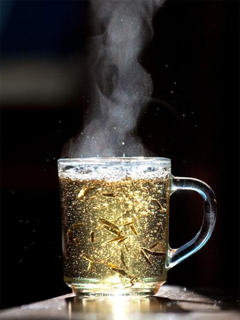 Incluye té de menta al final de tus alimentos para una mejor digestión