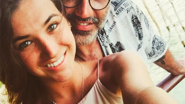 Después de varios meses de no saber nada de esta pareja, hoy aparecieron dos fotografías de Karla Laveaga en el Instagram del cantante, sin embargo, fueron eliminadas poco después. ¿Qué ocurre?