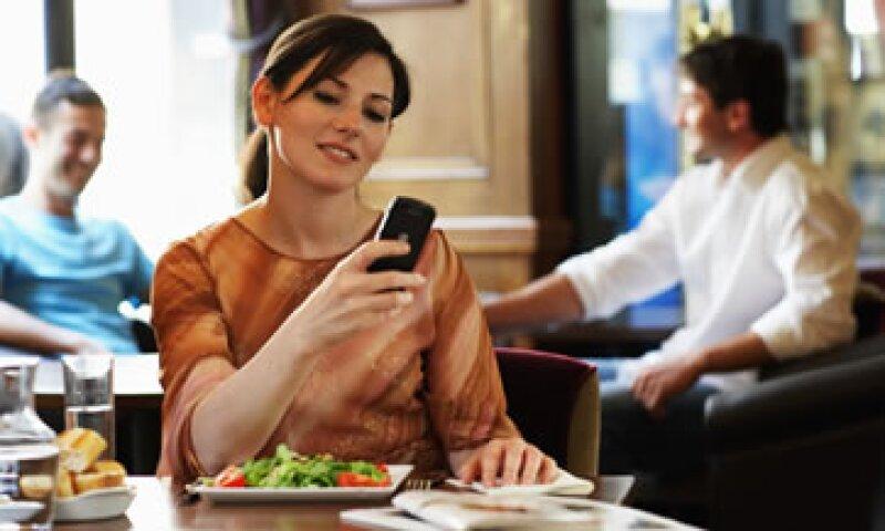 Entre el 40% y el 50% de los clientes ha aceptado y ha dejado su teléfono. (Foto: Getty Images)