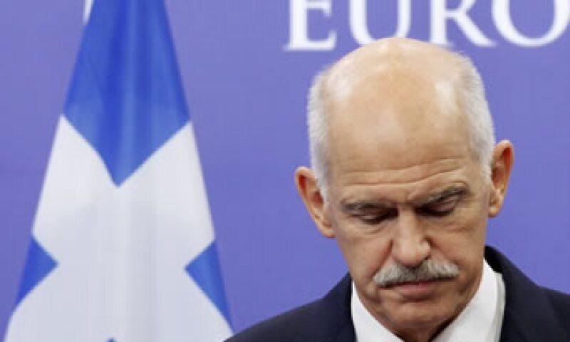 El primer ministro George Papandreou dijo que Europa tenía que ayudar a Grecia a detener la crisis que ahora amenaza a toda la zona del euro. (Foto: Reuters)