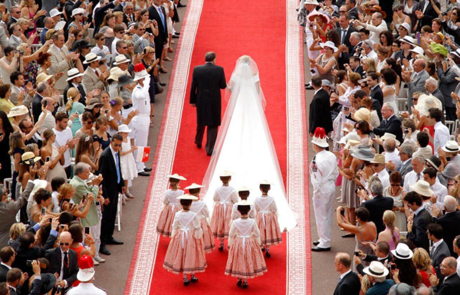 La novia, Charlene Wittstock, a su llegada al Palacio de Mónaco donde se realizó la boda.