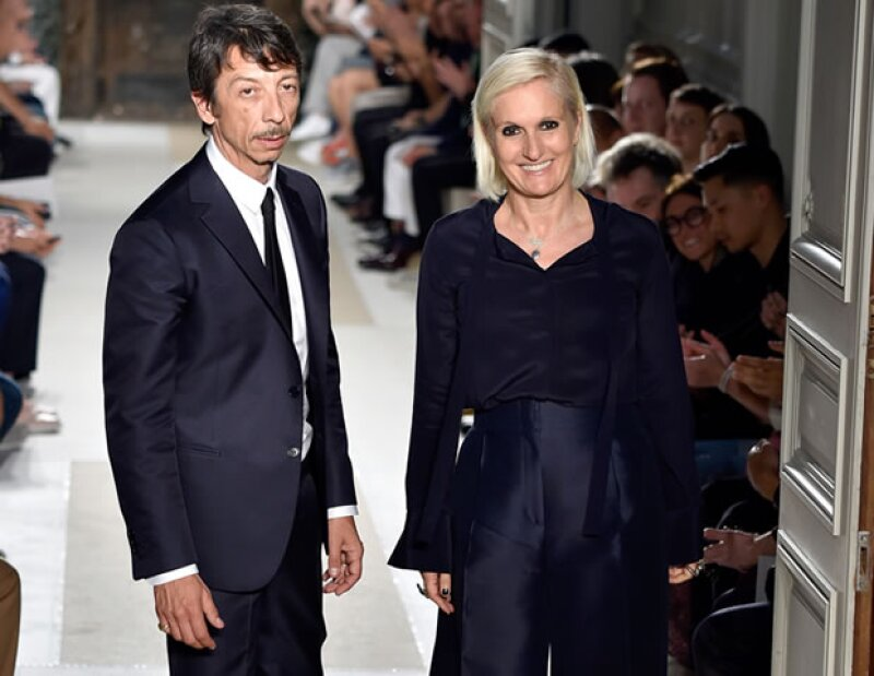 Nunca imaginamos que el dúo creativo de Valentino, Maria Grazia Chiuri y Pierpaolo Piccioli, se separaría. Pero los rumores que ella dirigirá la maison son fuertes y sería la primera mujer en hacerlo.