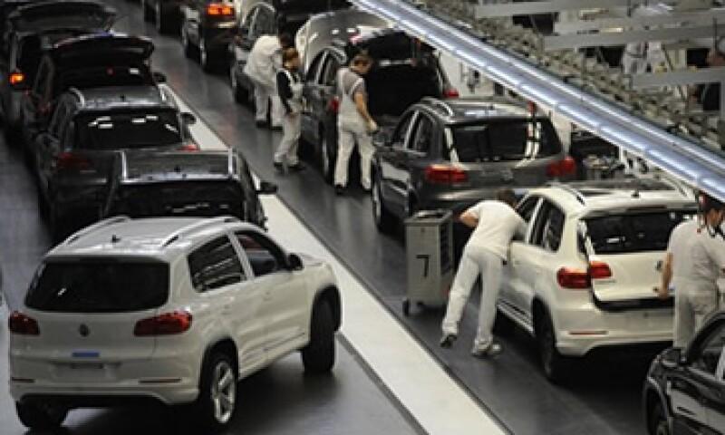 Volkswagen reconoció que la la situación económica en Europa afecta a la industria automotriz. (Foto: Reuters)