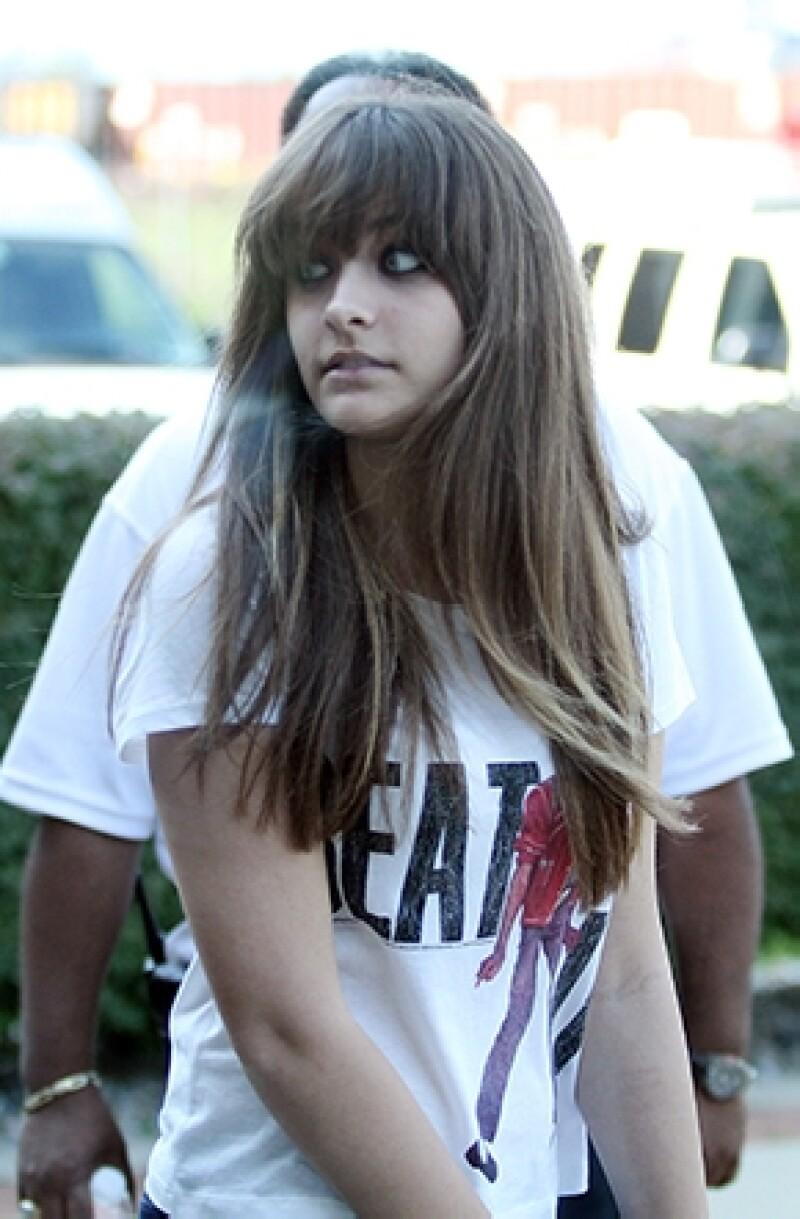 Un día como ayer 6 de junio pero de 2013 la noticia de un intento de suicido de la hija de Michael Jackson sacudió a su familia y seguidores. Tras un año en &#39rehab&#39 la adolescente muestra mejoría.