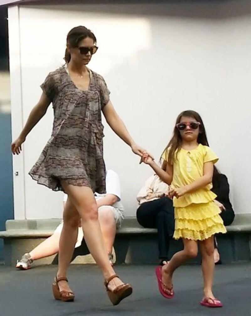 Katie y Suri usaron vestidos.
