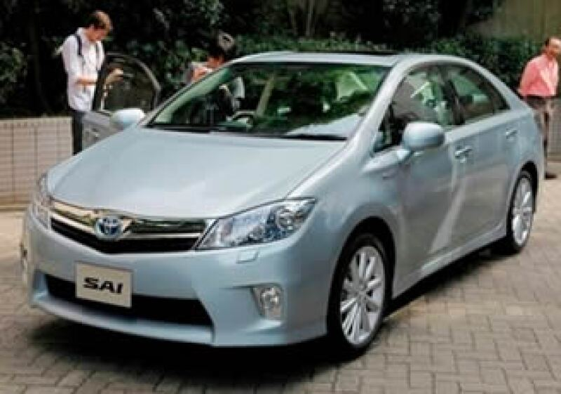 Toyota anunció el lanzamiento de su nuevo auto híbrido Sai. (Foto: AP)