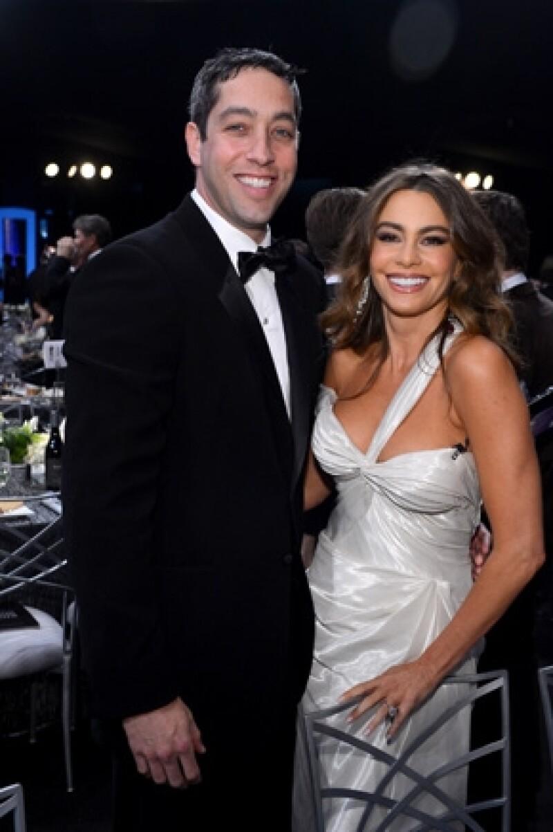 La pareja acudió a un exclusivo restaurante en Los Ángeles, donde según algunos comensales, la actriz y Nick no dejaban de demostrarse su amor.
