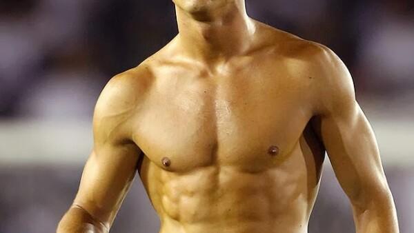 Cristiano Ronaldo- El famoso CR7 es de las personalidades más  polémicas por ser uno de los jugadores de soccer estrellas del momento. ¿Y tú lo amas o lo odias?