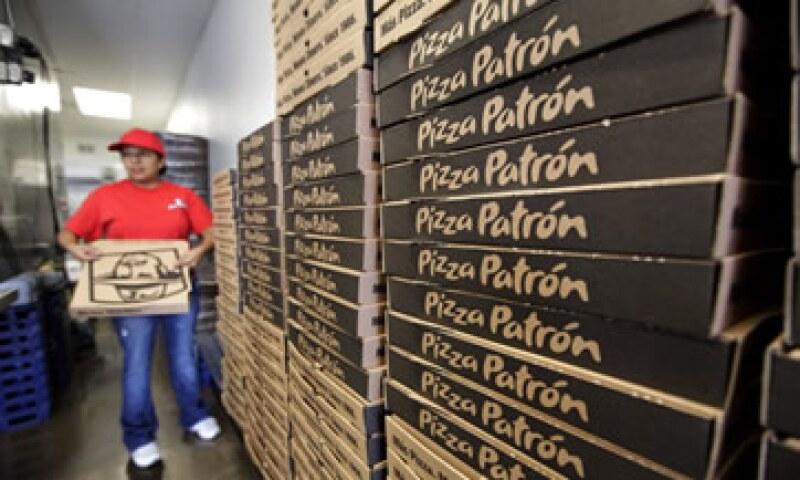 Pizza Patrón regala pizzas a los clientes que ordenan en español. (Foto: AP)