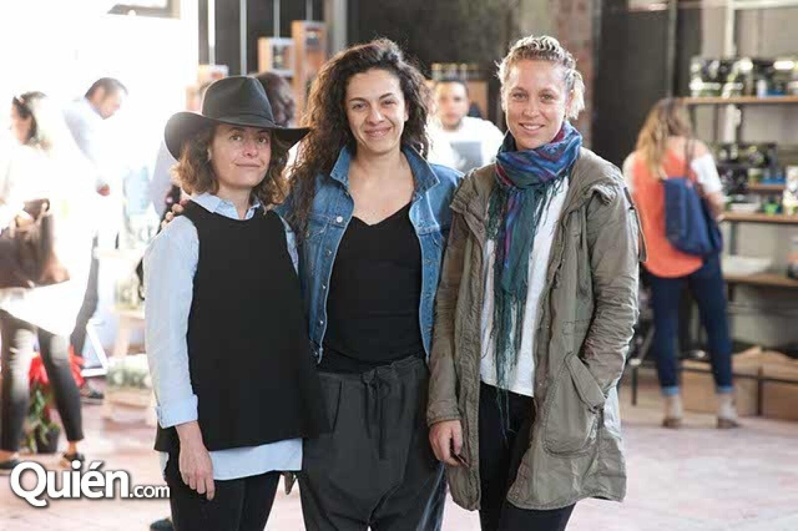 Mariana Aguilar,Carmen Ortega y Joanna Ruíz-Galindo