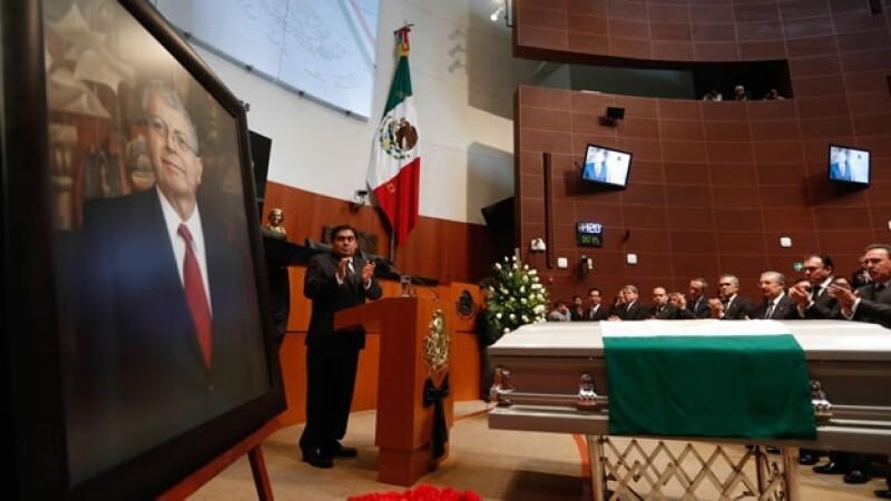camacho_homenaje_senado