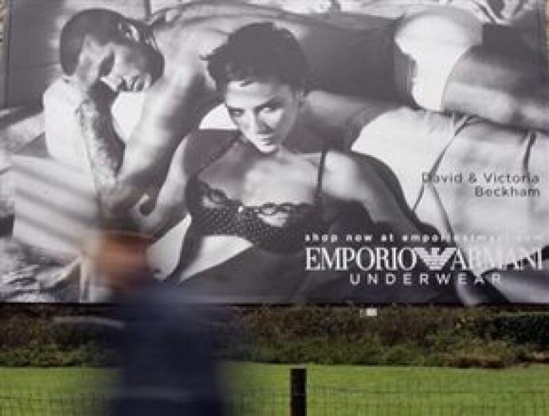 David y Victoria posaron juntos por primera vez para la nueva campaña de la marca. La pareja recibió 34 millones de euros por prestar su imagen.