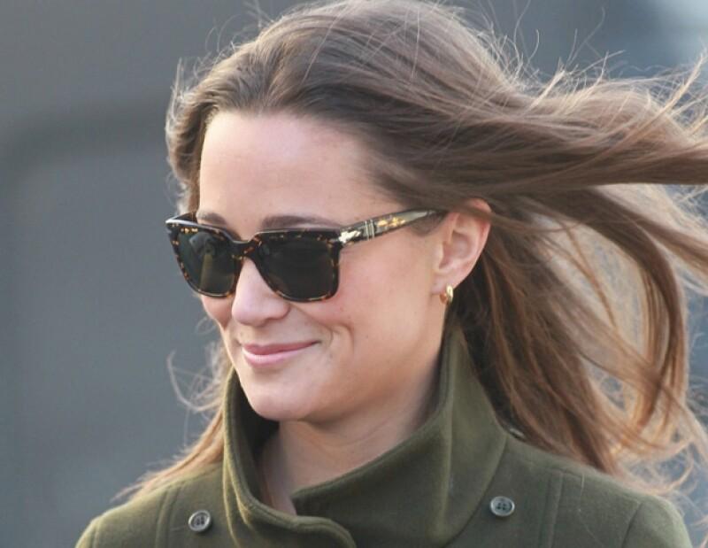 La hermana de la Duquesa de Cambridge fue captada en actitud cariñosa con un viejo amigo de la universidad.