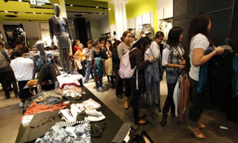 Conforme a lo esperado, poco más del 60% de las compras realizadas por los consumidores en el Buen Fin fue en efectivo. (Foto: Notimex)