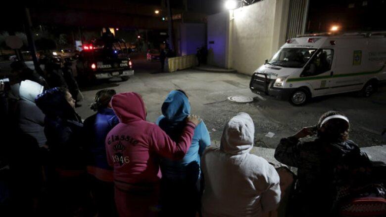 Los heridos fueron trasladados al Hospital Universitario de la capital estatal, luego de que las autoridades controlaron la situación.