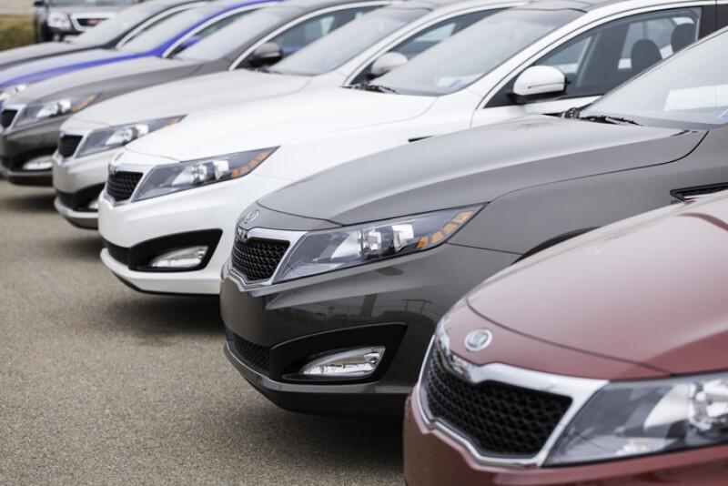 New Kia Optima Vehicles in a Row