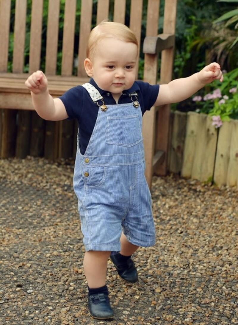George ya da sus primeros pasos.