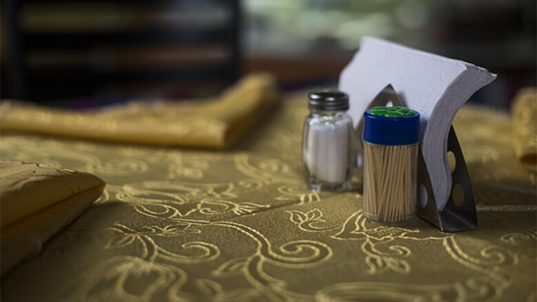 El restaurante Ali Babá está revestido con artículos árabes originales de Siria, traídos por los Taleb.
