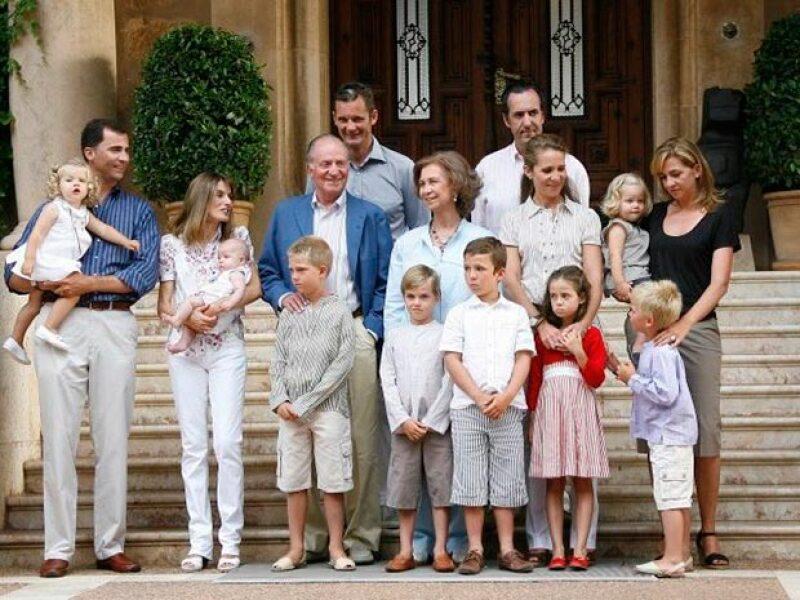 Retrato oficial de la familia.