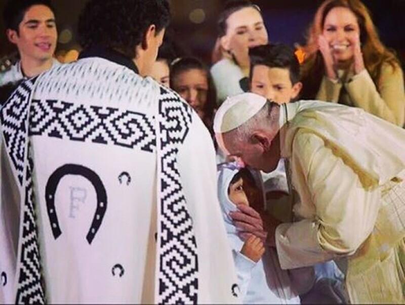 Lucero exaltó la sencillez del Papa y su cariño por los niños.