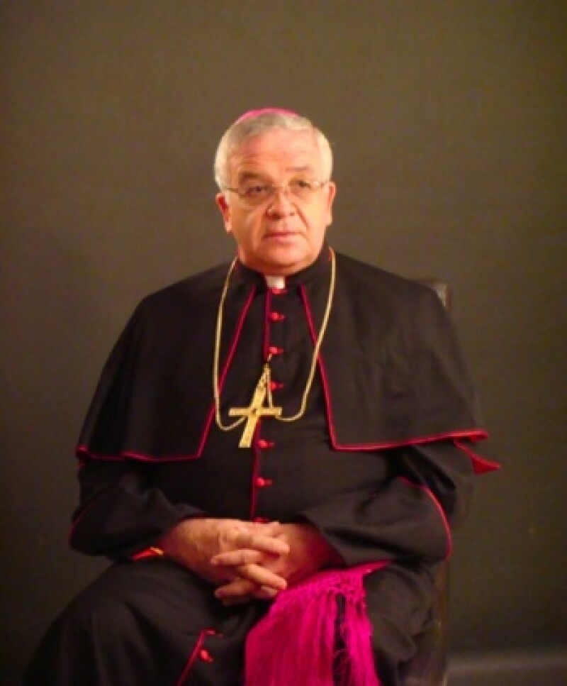 El obispo mexicano José María de la Torre criticó a las autoridades federales y estatales por su postura para facilitar el matrimonio entre personas del mismo sexo.